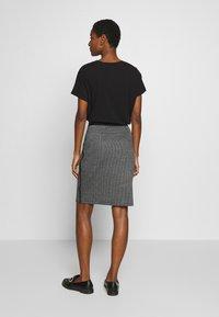 Taifun - Pencil skirt - black - 2