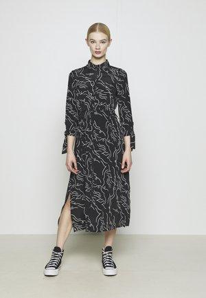 Skjortekjole - black print