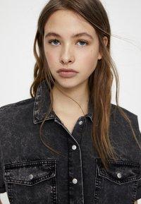 PULL&BEAR - Button-down blouse - dark grey - 4