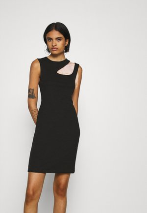 VMMARION CUT OUT DRESS - Etuikjole - black