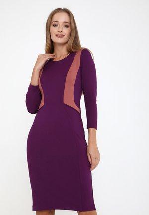 RUTA - Shift dress - purpur rosa
