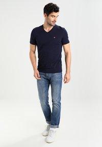 Napapijri - SENOS V - T-shirt basic - blu marine - 1