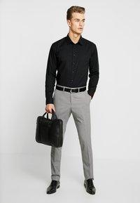 Seidensticker - SLIM FIT - Formal shirt - schwarz - 1