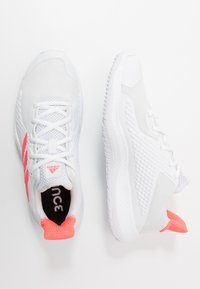 adidas Performance - FITBOUNCE - Sneakers basse - footwear white/signal pink/core black - 1