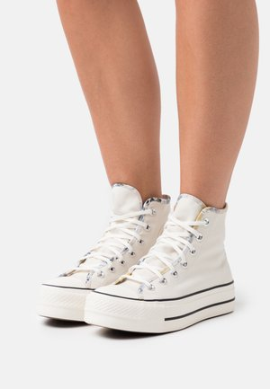 CHUCK TAYLOR ALL STAR SUMMER FEST PLATFORM - Korkeavartiset tennarit - egret/sesame/black