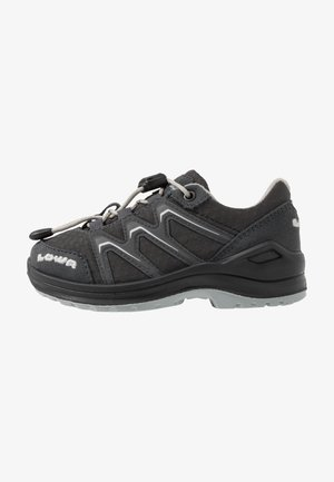 MADDOX GTX LO JUNIOR UNISEX - Hiking shoes - anthrazit/offwhite