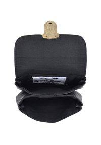 Gusti Leder - CHAPAL - Bum bag - schwarz/silber - 5