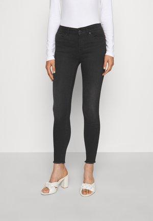 VMPEACH SKINNY - Jeans Skinny Fit - black denim