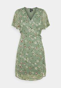 Vero Moda Petite - VMKAY WRAP DRESS - Vestido informal - laurel wreath - 0