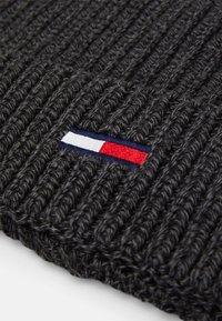 Tommy Jeans - BASIC FLAG BEANIE UNISEX - Berretto - grey - 2