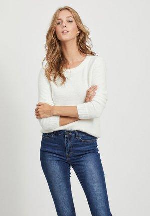 VIFEAMI O NECK - Jersey de punto - whisper white