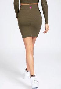 Guess - TULAY SKIRT - Pencil skirt - grün - 2