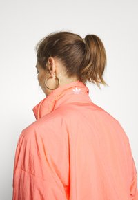 adidas Originals - LOGO - Training jacket - orange - 4