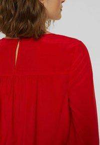 Esprit - BLUSE MIT ELASTIKSAUM, LENZING™ ECOVERO™ - Blouse - red - 6