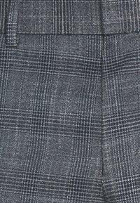 Isaac Dewhirst - BLUE CHECK 3PCS SUIT SUIT - Suit - blue - 8