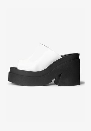 CINDY - Sandalen met plateauzool - white