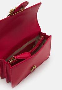 Pinko - LOVE MINI ICON SIMPLY SETA ANTIQUE - Across body bag - red - 2
