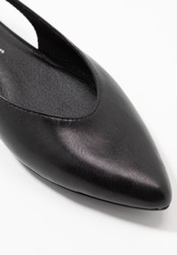 Marco Tozzi - Ankle strap ballet pumps - black - 2