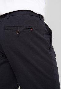 Tommy Hilfiger Tailored - PANTS - Chinosy - black - 3