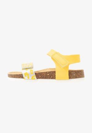 Sandały - gelb