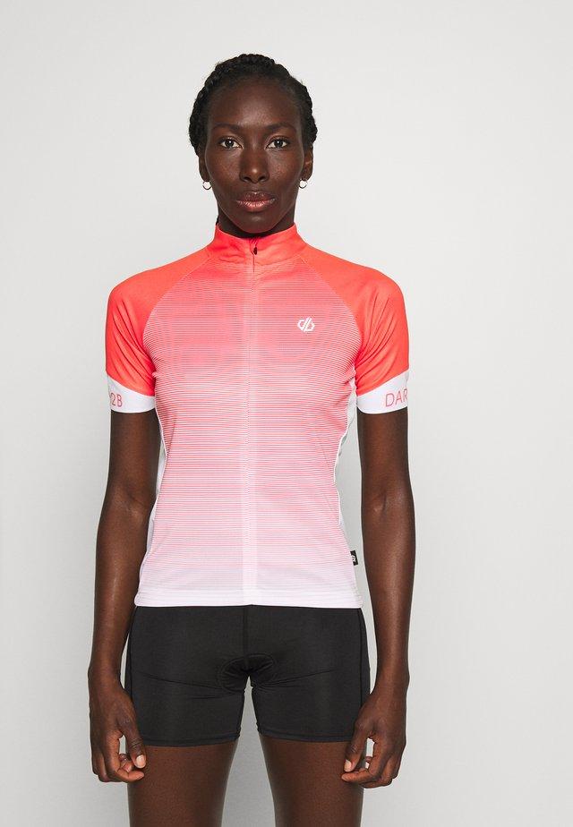 ELABORATE - T-shirt z nadrukiem - fieryc/fryco