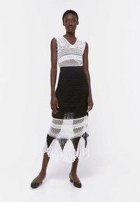 Uterqüe - A-line skirt - black - 1