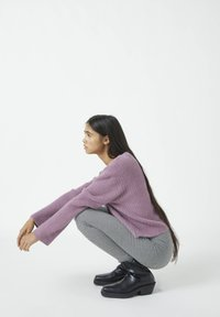 PULL&BEAR - MIT HAHNENTRITTMUSTER - Leggings - Trousers - dark grey - 3