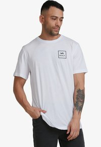 RVCA - ALL THE WAYS - Print T-shirt - white - 1