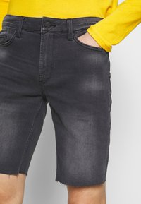 Only & Sons - ONSPLY REG RAW  - Jeansshort - grey denim - 4