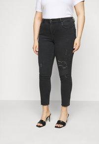 ONLY Carmakoma - CARRUSH LIFE REG SK ANK RAW - Jeans Skinny Fit - black denim - 0
