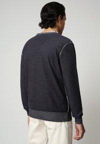 Napapijri - DRAO CREW - Stickad tröja - blu marine - 2