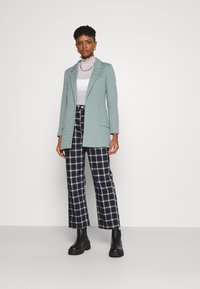 ONLY - ONLBAKER LINEA COATIGAN - Blazer - chinois green - 1