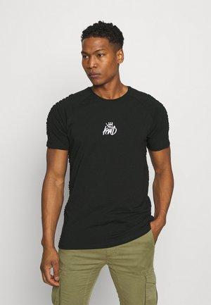 KISHANE TEE - T-shirt print - black iris