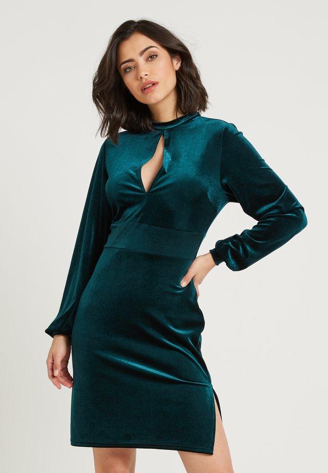 ZALANDO X NA-KD - Vestito di maglina - emerald green