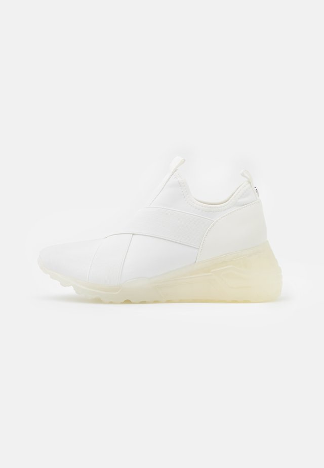 CRYSON - Trainers - white