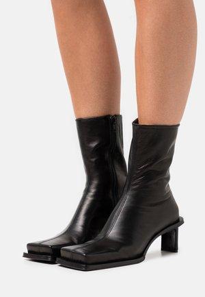 BRENDA - Kotníkové boty - sonic black