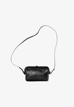 ROFE - Across body bag - black croco