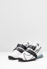 Nike Performance - ROMALEOS UNISEX - Treningssko - white/black - 2