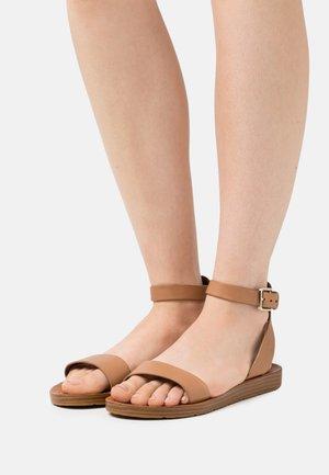 KEDAREDIA - Sandaalit nilkkaremmillä - brown