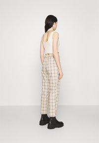 Monki - TYRA TROUSERS - Trousers - mini grid - 2