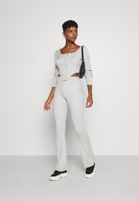 Missguided - ZIP FRONT CORSET AND FLARE SET - Cardigan - sage - 1