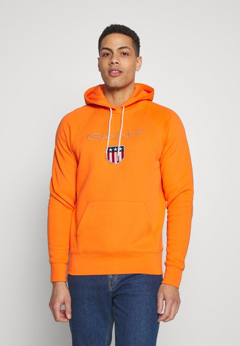 GANT - SHIELD HOODIE - Hoodie - sunny orange