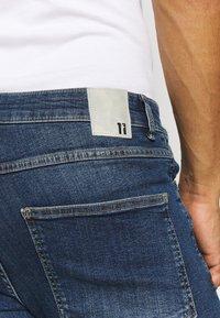 11 DEGREES - RIP AND REPAIR  - Denim shorts - mid blue - 5