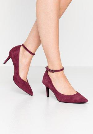 Classic heels - vine