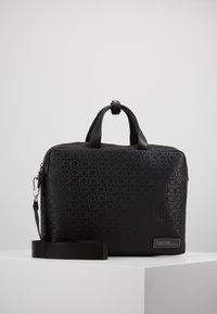 Calvin Klein - INDUSTRIAL MONO SLIM LAPTOP BAG - Aktovka - black - 0