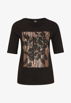 MIT PAILLETTEN - T-shirt con stampa - black sequins placed print