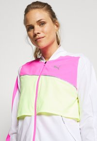 Puma - LITE WARM UP JACKET - Sports jacket - puma white/luminous pink/fizzy yellow - 4