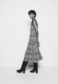 See by Chloé - Denní šaty - black/white - 3