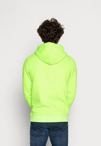 Tommy Jeans - NEON SMALL LOGO HOODIE - Huppari - green geco - 2