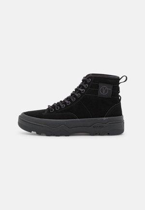 SENTRY  - Augsti sporta apavi - black